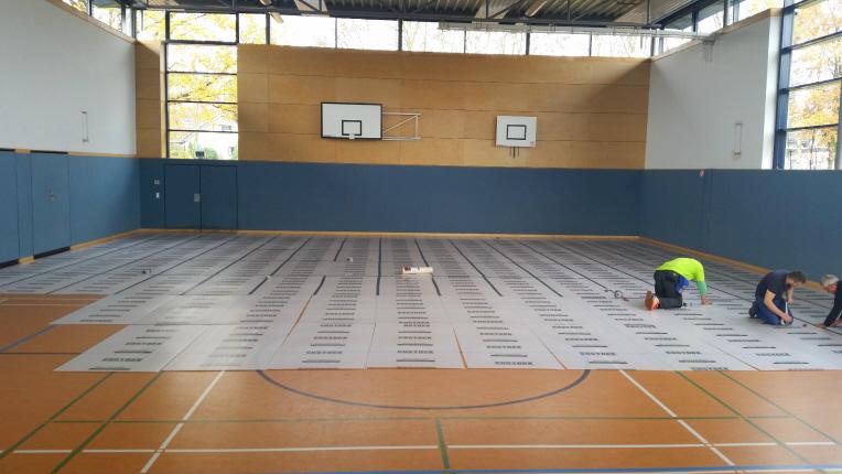 MULTI BOARD Kunststoffplatten als Bodenschutz in einer Turnhalle