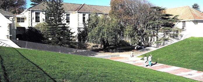 Die Flügel wurden aus ökologischen und klimatischen Gründen mit einem Garten bedeckt.