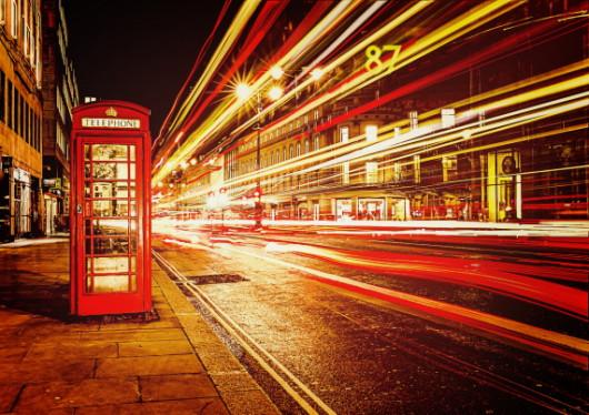 Technik mit schneller Software, digitalisierter Multimedia, Netz-Kommunikation, digitalisierte Telefone